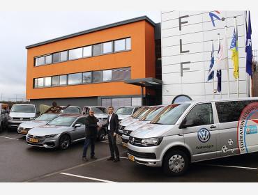 Volkswagen Luxembourg remet 14 nouveaux véhicules à la FLF