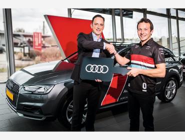 Ausblick auf eine spannende Zusammenarbeit: Audi Luxembourg überreicht einen neuen Audi A4 Avant Allroad an Audi Sport Piloten Jean-Karl Vernay.