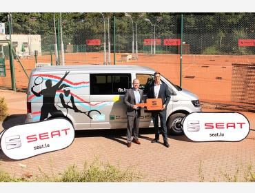 SEAT Luxembourg remet nouveau véhicule à la FLT