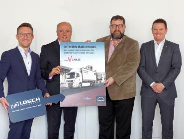 Losch Truck, Van & Bus und Biogros starten gemeinsam elektrisch in die Zukunft.